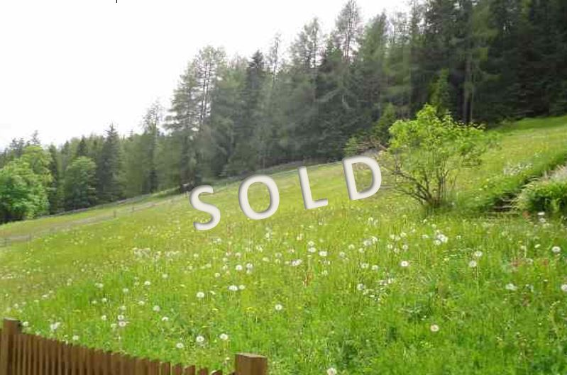 SOLD – Sunny plot in quiet and idyllic position