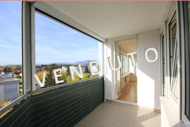 VENDUTO – Grande appartamento con loggia e garage