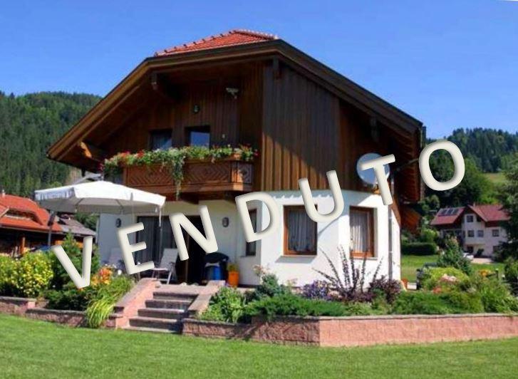 VENDUTO – Bella casa con due appartamenti situato in posizione tranquilla