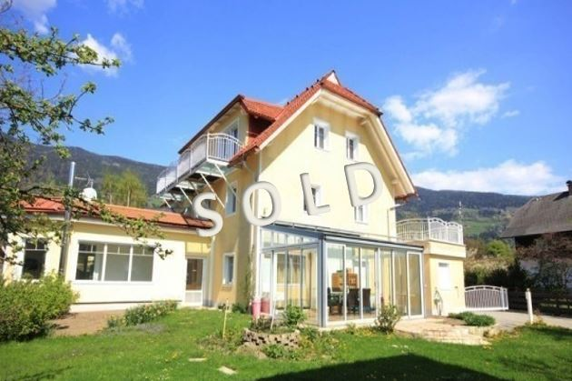 SOLD! Apartment house with restaurant and a two-family house with carport in vicinity of the lake Ossiacher See