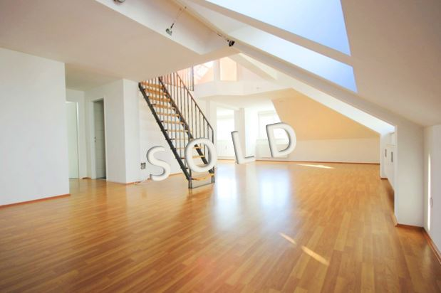 SOLD – New penthouse-maisonette with roof terrace