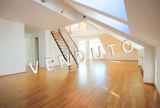 VENDUTO – Bell'appartamento con terrazza sul tetto e vista panoramica