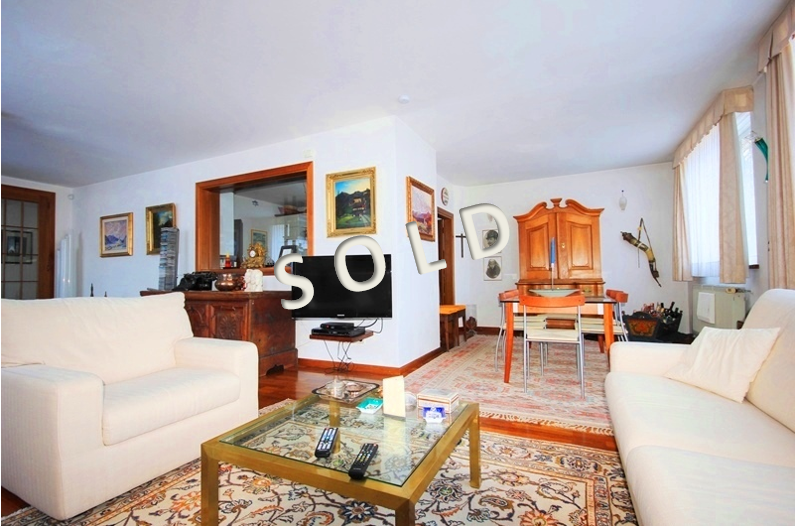 SOLD – Beautiful house with spacious rooms in quiet location