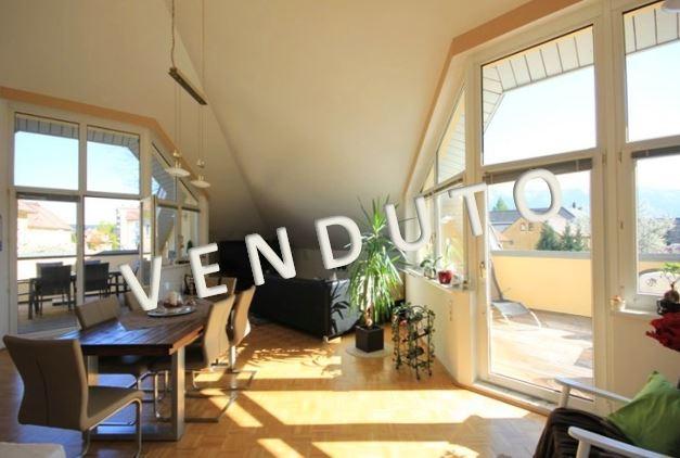 VENDUTO – Penthouse esclusivo con terrazze vicino al centro di Villach