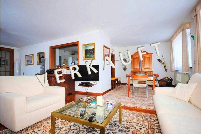 VERKAUFT – Schönes, gediegen ausgestattetes Wohnhaus in ruhiger Waldrand-Alleinlage