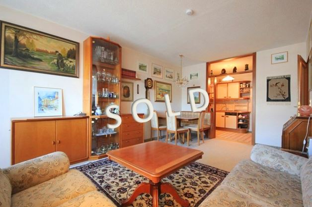 SOLD – Well-maintained 2-room-apartment with loggia