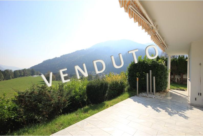 VENDUTO – Riffinitissimo casa in posizione idilliaca e soleggiata