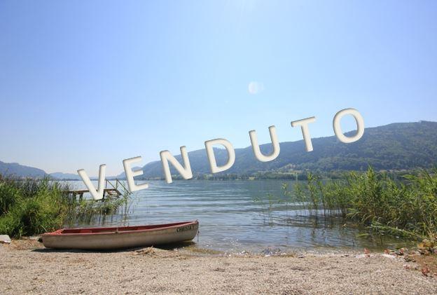 VENDUTO – Affascinanti appartamenti al lago con terrazza e spiaggia