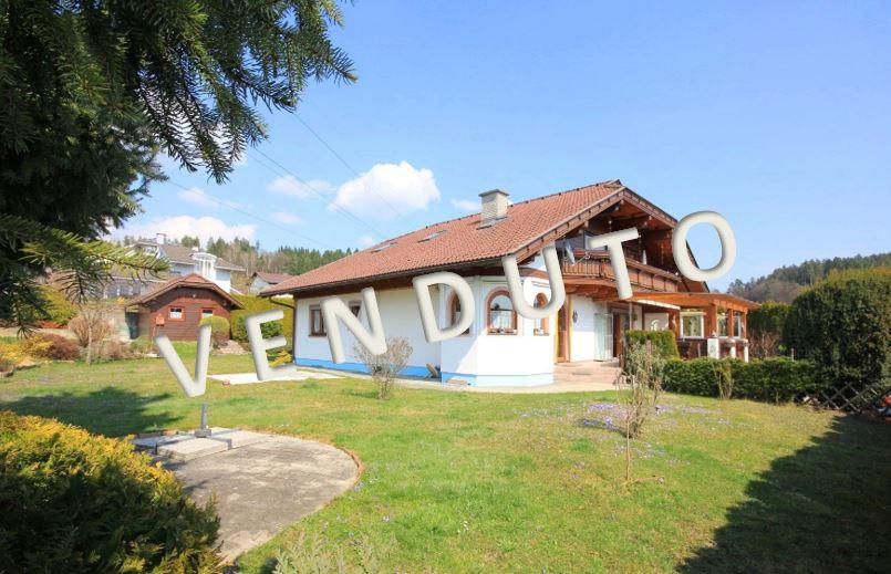 VENDUTO – Bella villa con due unità abitative e ampia terrazza coperta