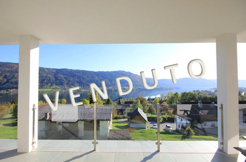 VENDUTO – Splendida villa con ampie terrazze e magnifica vista sul lago di Ossiach
