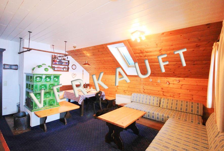 VERKAUFT – Gemütliches Ski-in und Ski-out Ferienappartement  mit Loggia