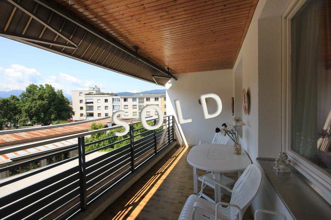 SOLD – Große 5-Zimmer-Wohnung mit Süd-Westloggia in ruhiger Innenhoflage