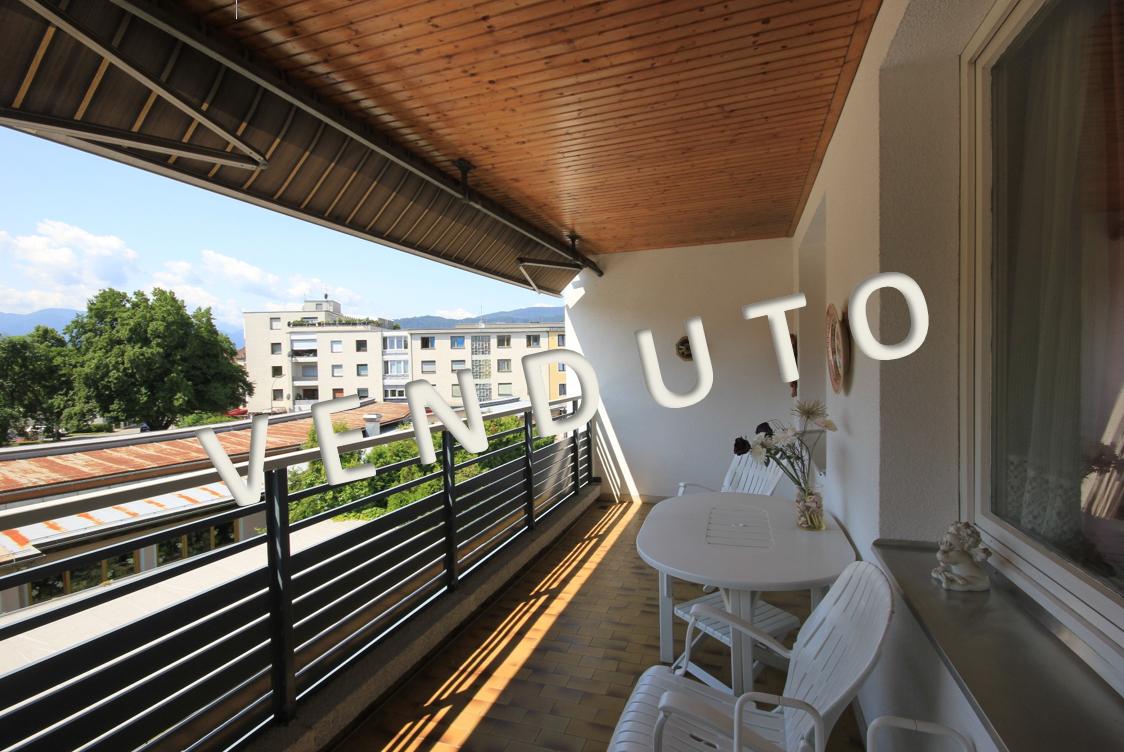 VENDUTO – Große 5-Zimmer-Wohnung mit Süd-Westloggia in ruhiger Innenhoflage