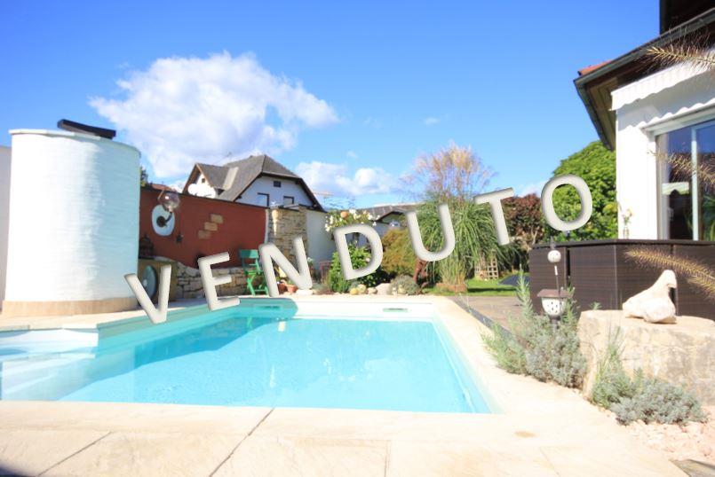 VENDUTO – Gediegenes Wohnhaus mit mediterranem Touch in sonniger Wohnlage