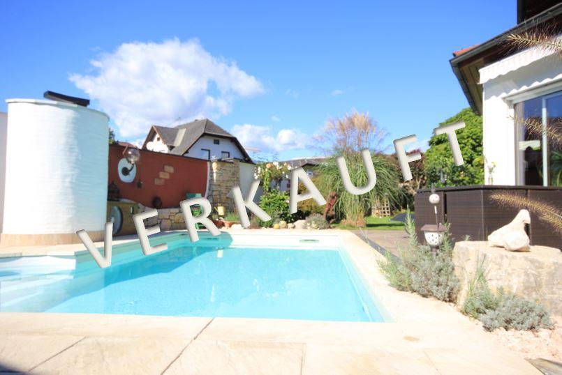 VERKAUFT – Gediegenes Wohnhaus mit mediterranem Touch in sonniger Wohnlage
