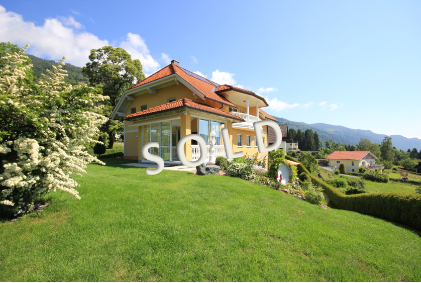 SOLD – Luxury villa with dreamlike lake view at the lake Ossiacher See