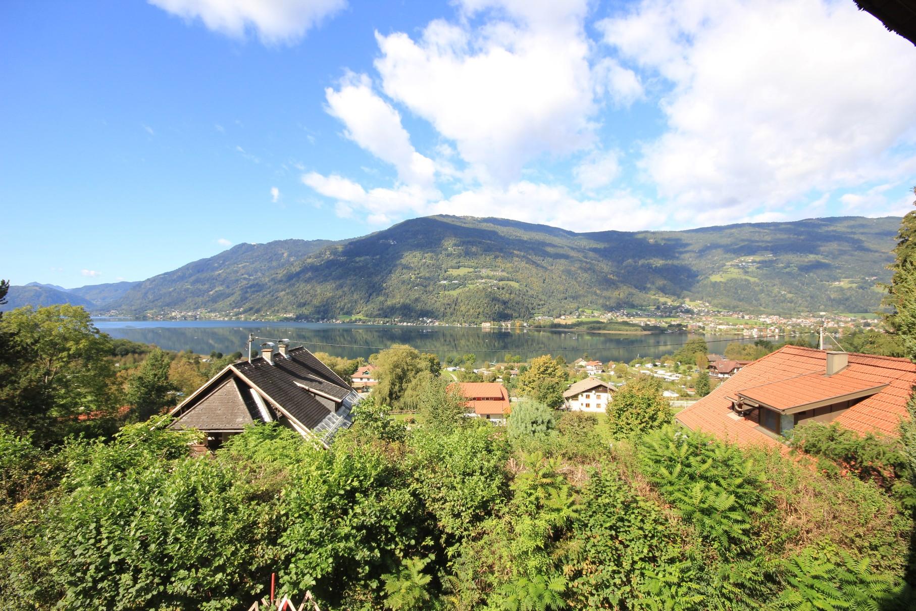 Liegenschaft mit 3 Wohneinheiten in traumhafter Seeblicklage am Ossiacher See