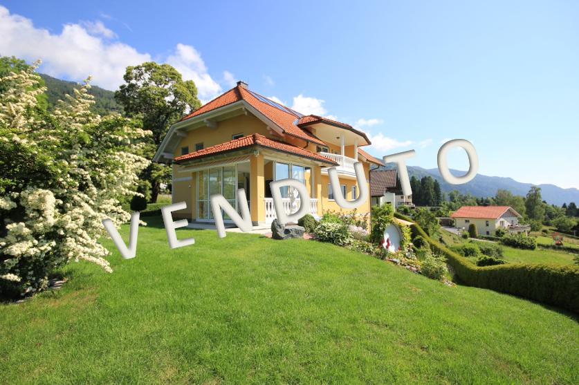 VENDUTO – Proprietà lussuosa con vista splendida sul lago di Ossiach