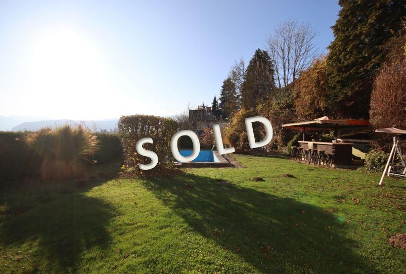 SOLD – Wohnhaus mit zwei Wohneinheiten samt Swimmingpool und schönem Garten
