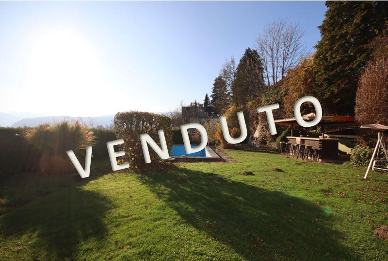 VENDUTO – Wohnhaus mit zwei Wohneinheiten samt Swimmingpool und schönem Garten