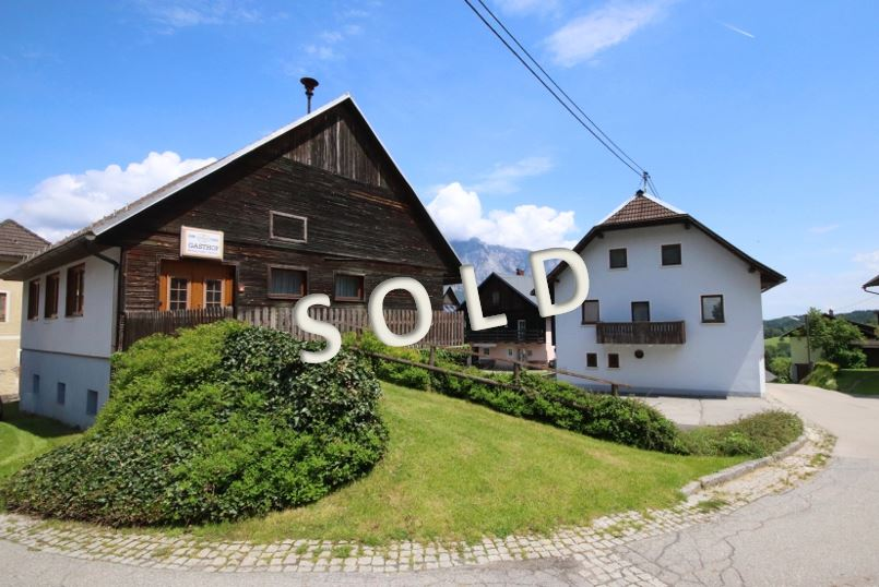 SOLD – Traditional guest house with bedrooms, private apartment and big outbuilding