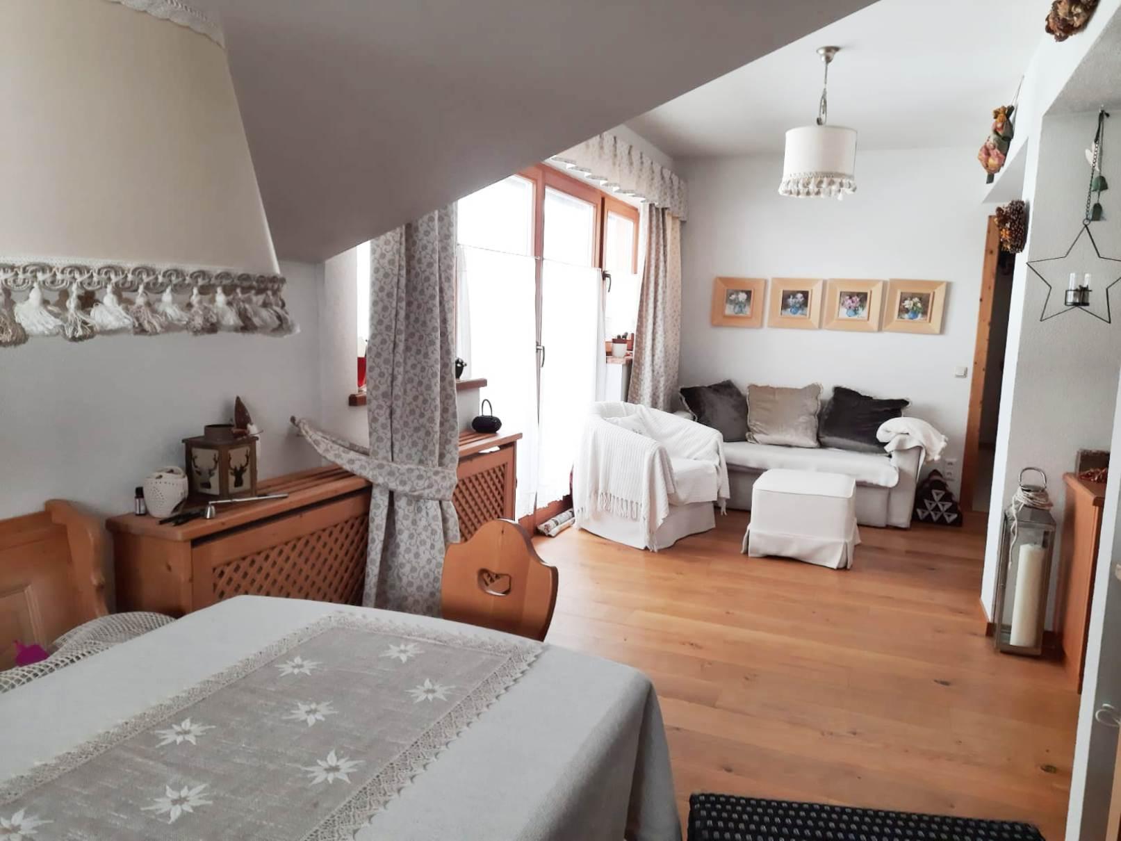 Entzückendes 2-Zimmer-Appartement mit Loggia und Freistellplatz