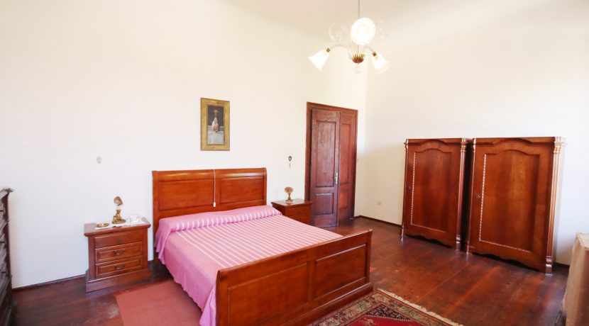 Schlafzimmer 1 (2)