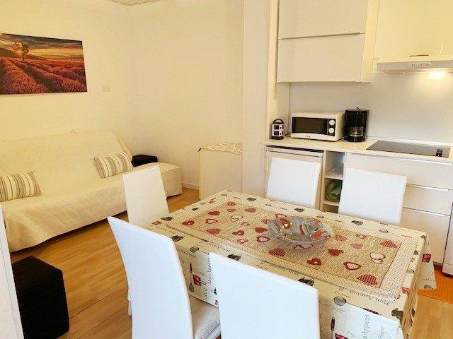 Nettes 2- Zimmer-Appartement mit zwei Loggien in unmittelbarer Thermennähe