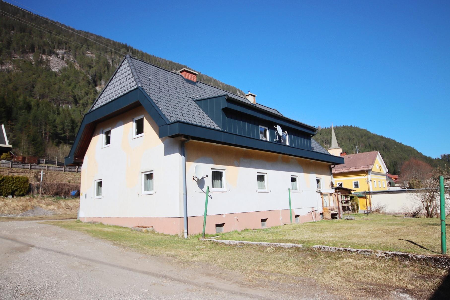 Zinshaus mit 4 Wohneinheiten in ruhiger, sonniger Wohnsiedlung