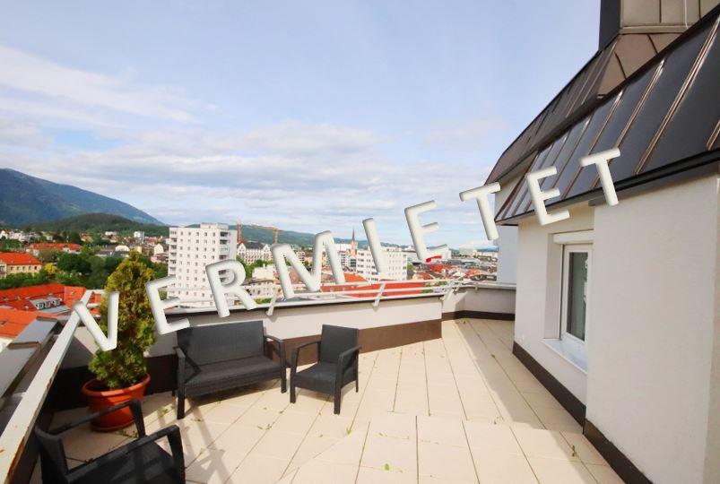 VERMIETET – Schönes 4-Zimmer-City Penthouse mit großer Terrasse