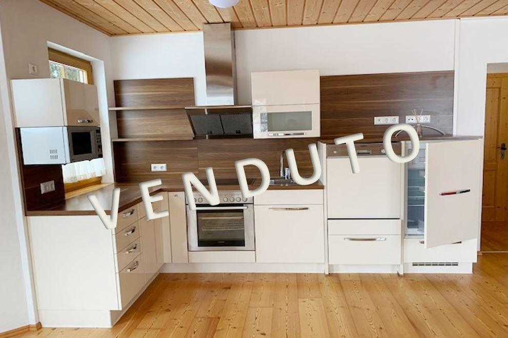 VENDUTO – Gepflegte 3-Zimmer-Erdgeschosswohnung mit Gartenanteil