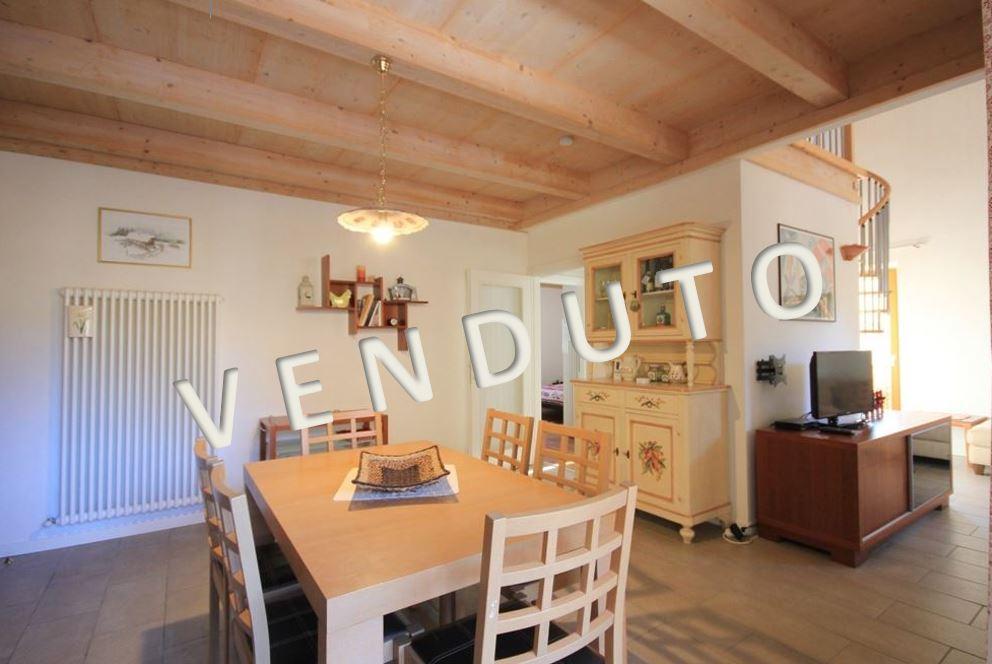 VENDUTO – Gediegene Eigentumswohnung im modernen Landhausstil