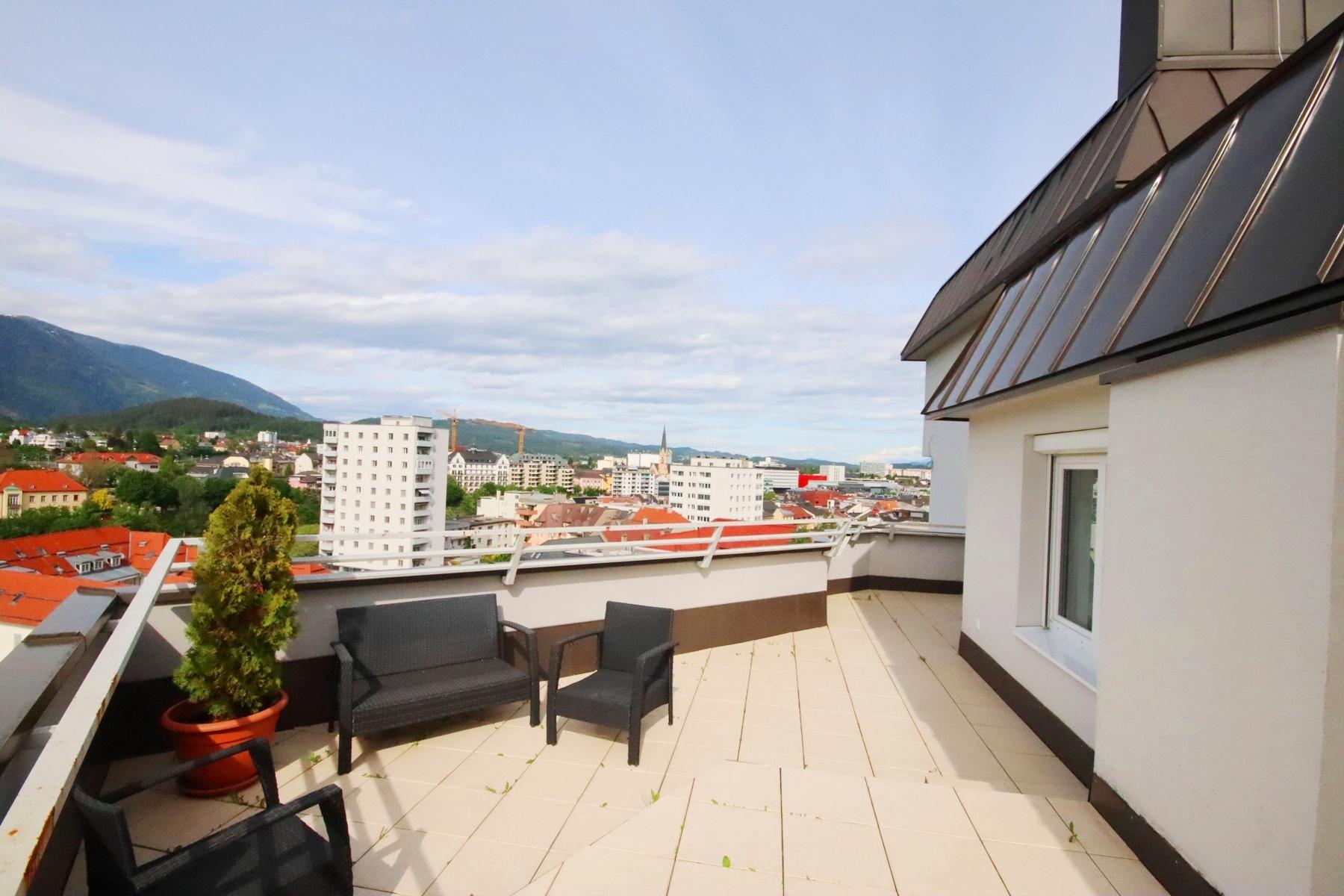 Schönes 4-Zimmer-City Penthouse mit großer Terrasse zu mieten