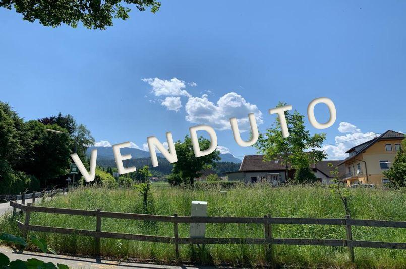 VENDUTO – Naturnahes Wohnen in gut strukturierter Gartenwohnung mit großer, überdachter Terrasse