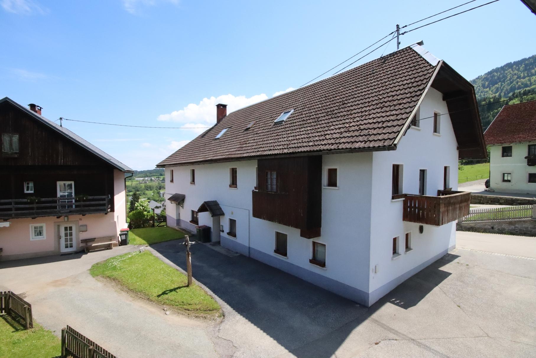 Schöner Gasthof mit Fremdenzimmern und Privatwohnung in sonniger Lage